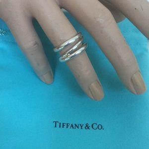 💗💚Authetic Thick Tiffany &Co Ring ❤️❤️